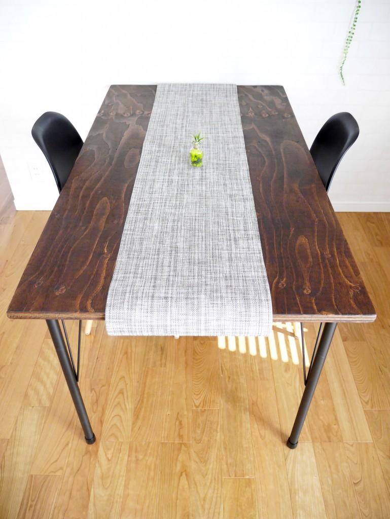 ダイニングテーブル カフェ風 DIY テーブルランナー アイアン脚