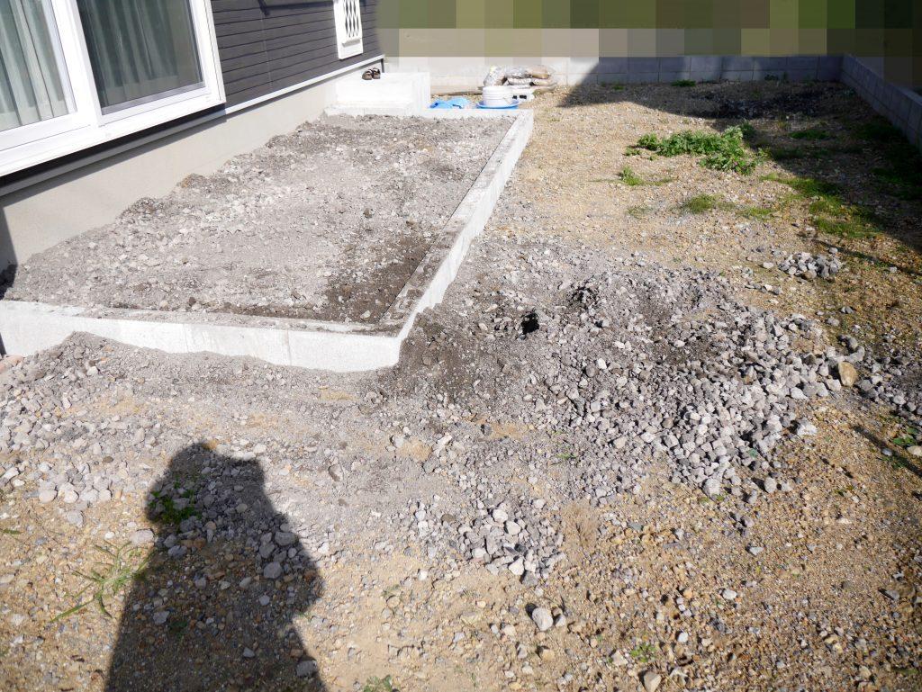 タイルデッキ 作り方 DIY 基礎 砂利