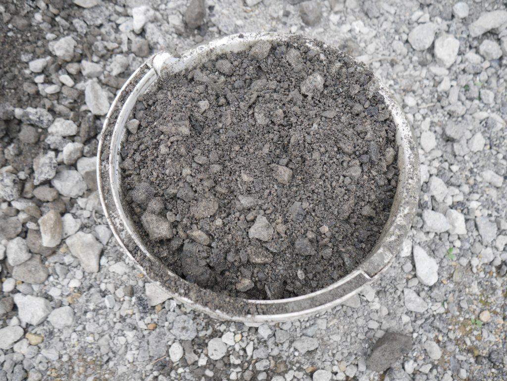タイルデッキ コンクリート 混ぜ太郎 ワイヤーメッシュ 再生砕石