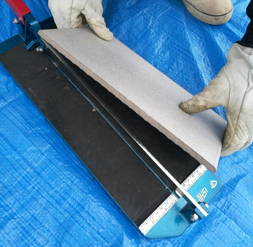 タイルデッキ 作り方 タイル貼り タイルカッター DIY